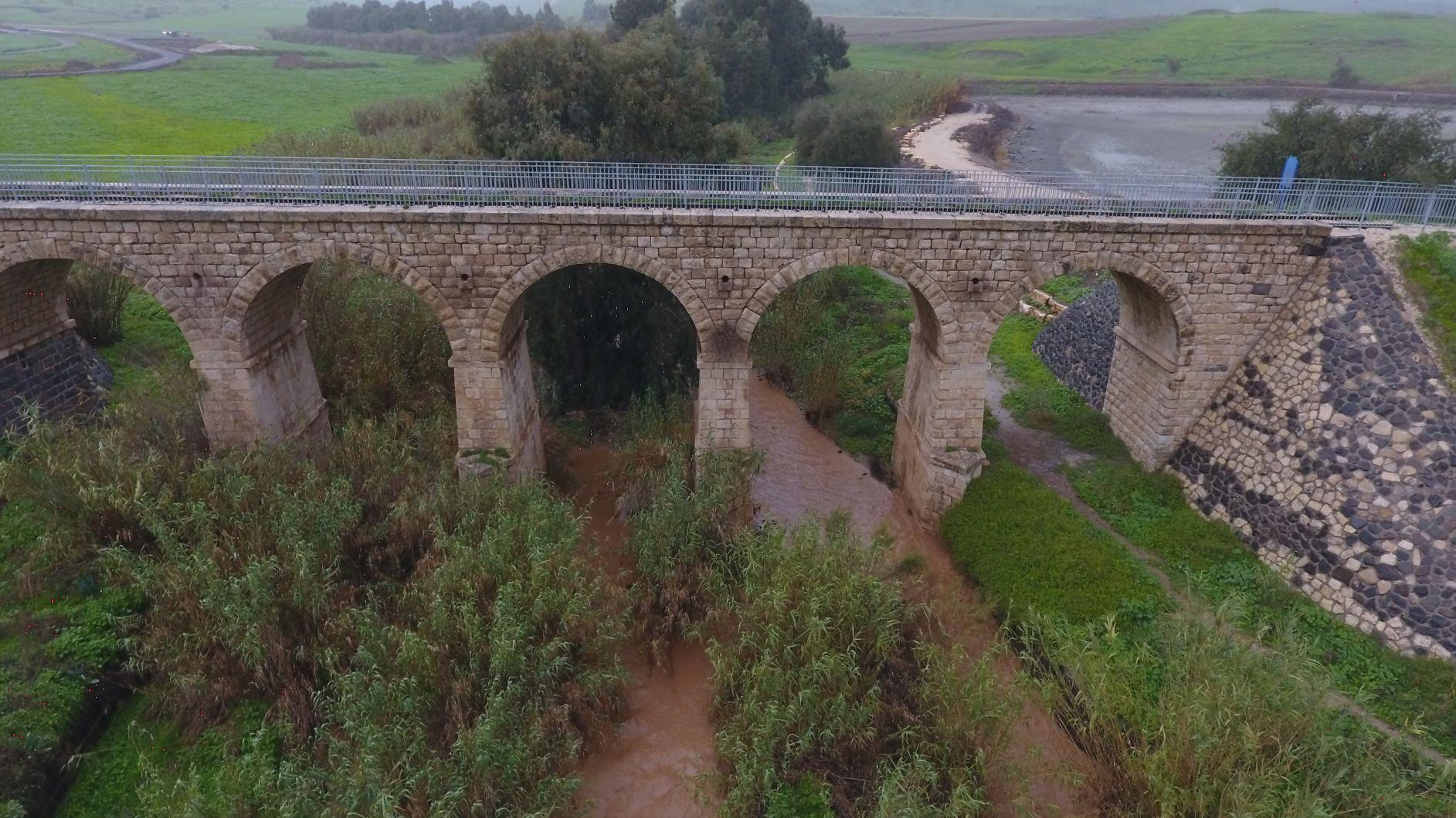 דרך נוף גאון הירדן , גשר הישנה